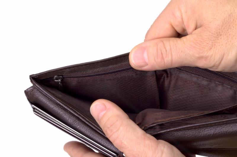 wallet_hand.jpg