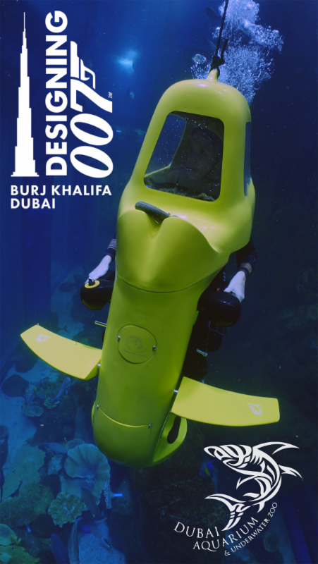 Dubai mall aquarium diving