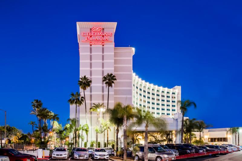Crowne Plaza Los Angeles Commerce Casino  HomeTVS