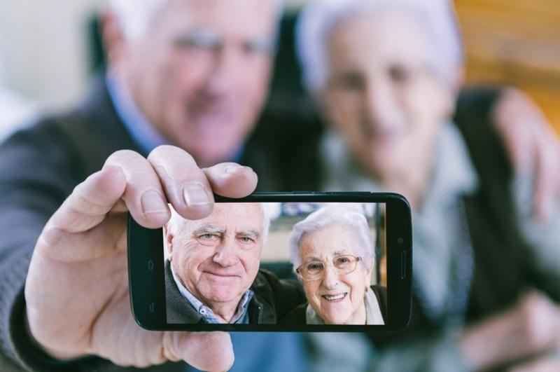 elderly drivers research paper Elderly drivers driving is a simple task that many an(prenominal) an(prenominal) of us do on a daily basis approximately great deal be safe device drivers, while a hardly a(prenominal) be incapable of operate safely.