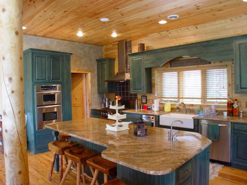 log home kitchen color