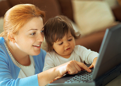 mother-child-laptop.jpg