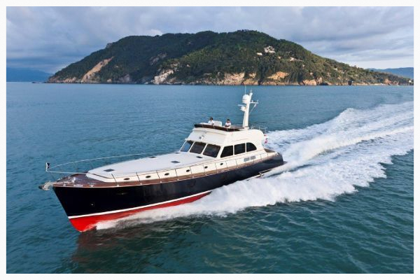 Vicem luxury yachts offered by Sarasota Yacht & Ship