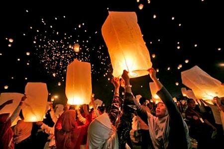 displaying lanterns