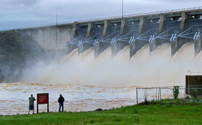 Eufaula dam released about 170,000 cubic feet of water per second. (Danny Bowen ODWC)