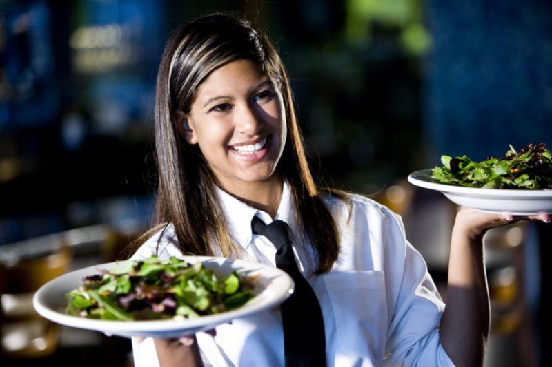 waiter_woman_smile.jpg
