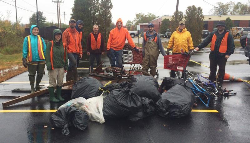 Long Creek Cleanup Volunteers