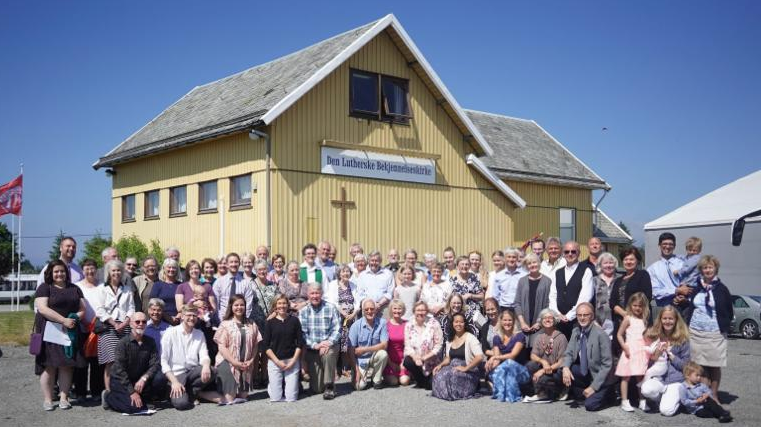ELS members and members of the church in Norway outside Avaldsnes church building