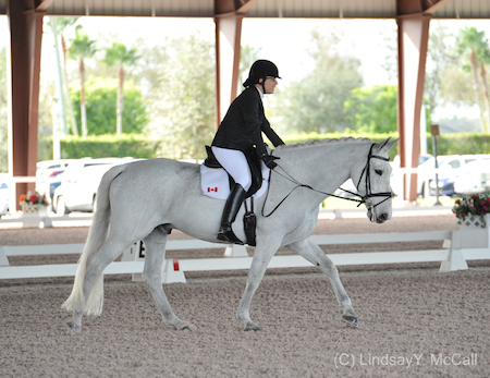 Jody Schloss (CAN) and Inspector Rebus showing the Free Walk. Photo (C) Lindsay Y. McCall