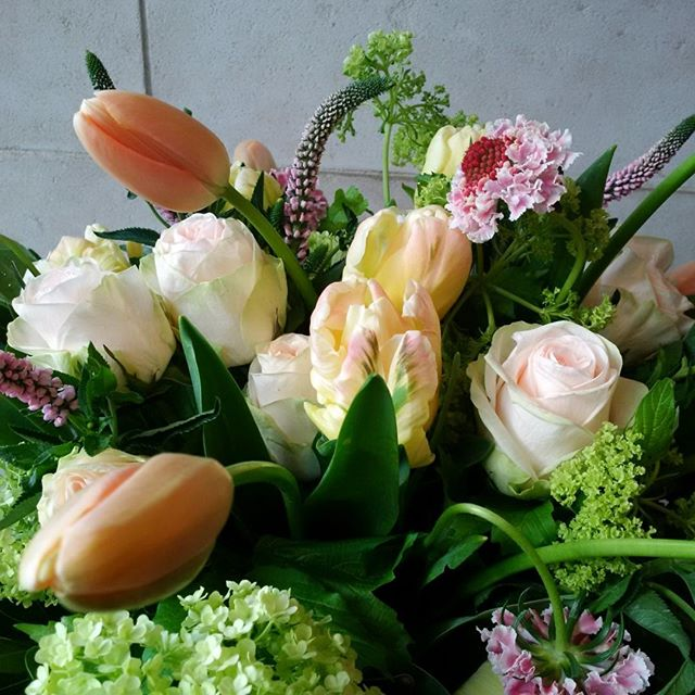 Gorgeous spring arrangement to add some cheer #DemarcoPerpich #torontoflowers #arrangements #spring #tulips #wqw #queenwest #torontoflorist #floral #floralfashion #floraldesign #flowers