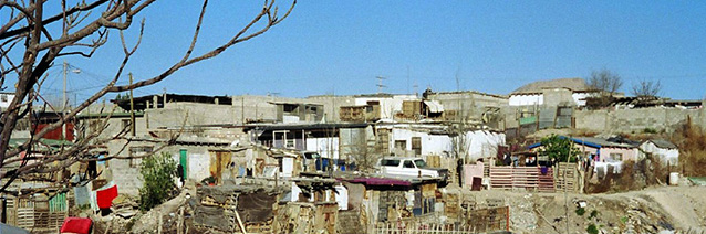 Homes on the former Juarez dump_ Juarez_ Mexico 2006. CAC archives.