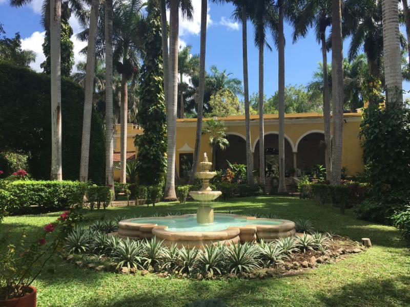 chichen fountain lobby