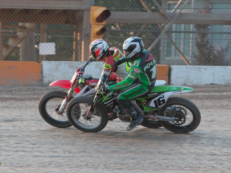 Hot Weather And Hot Racing In Ohsweken Flat Track Canada