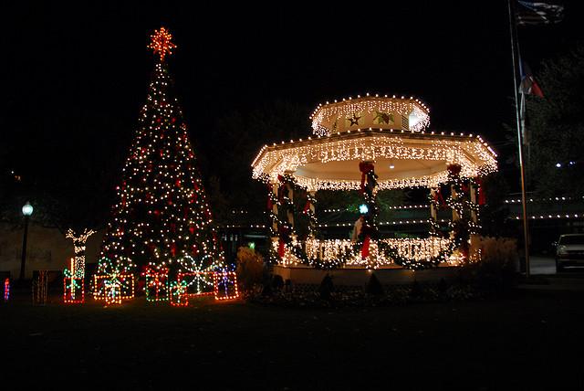 - Photowalk: Grapevine Christmas Lights!