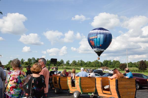 Uncork balloon