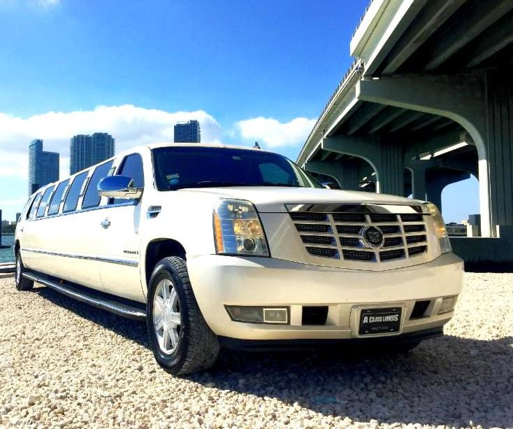 Luxury Limousines And Party Buses: December 2015