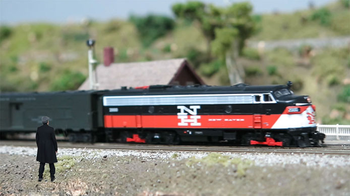 N Scale FL9 Video