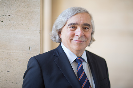 Nuclear physicist Ernest J. Moniz has returned to MIT following more than three and a half years of service as the 13th U.S. Secretary of Energy.  Photo, Bryce Vickmark.