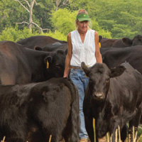 ISU Women Managing Cattle