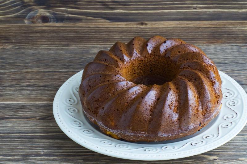 Bundt cake on a platter.