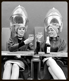 ladies drinking champagne at hair salon