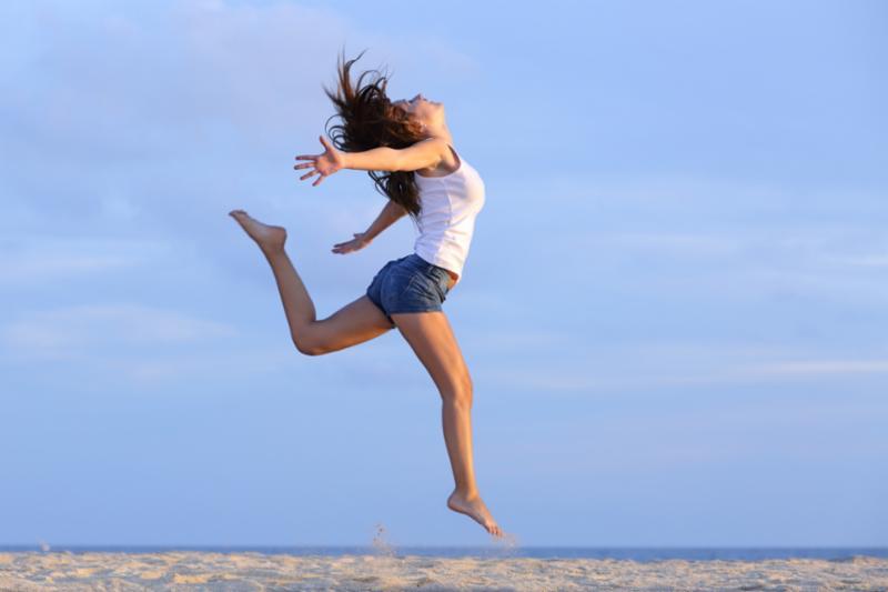 woman_jump.jpg