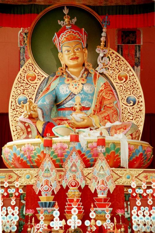 POL Guru Rinpoche statue