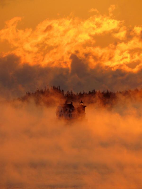 Sea Smoke at Rockland Breakwater Lighthouse photo: Bob Trapani