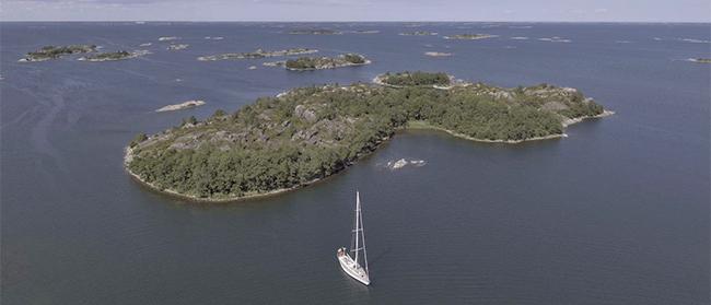 Swan 651 ICHIBAN cruises the Swedish Archipelago