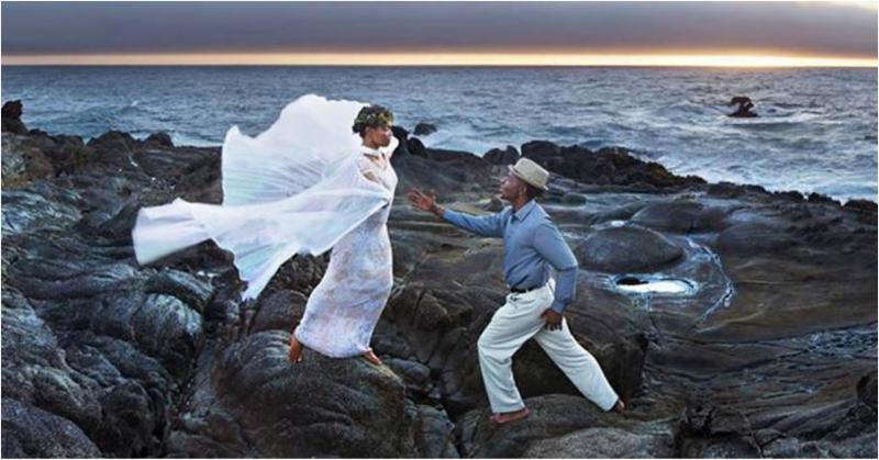 Tango at the ocean