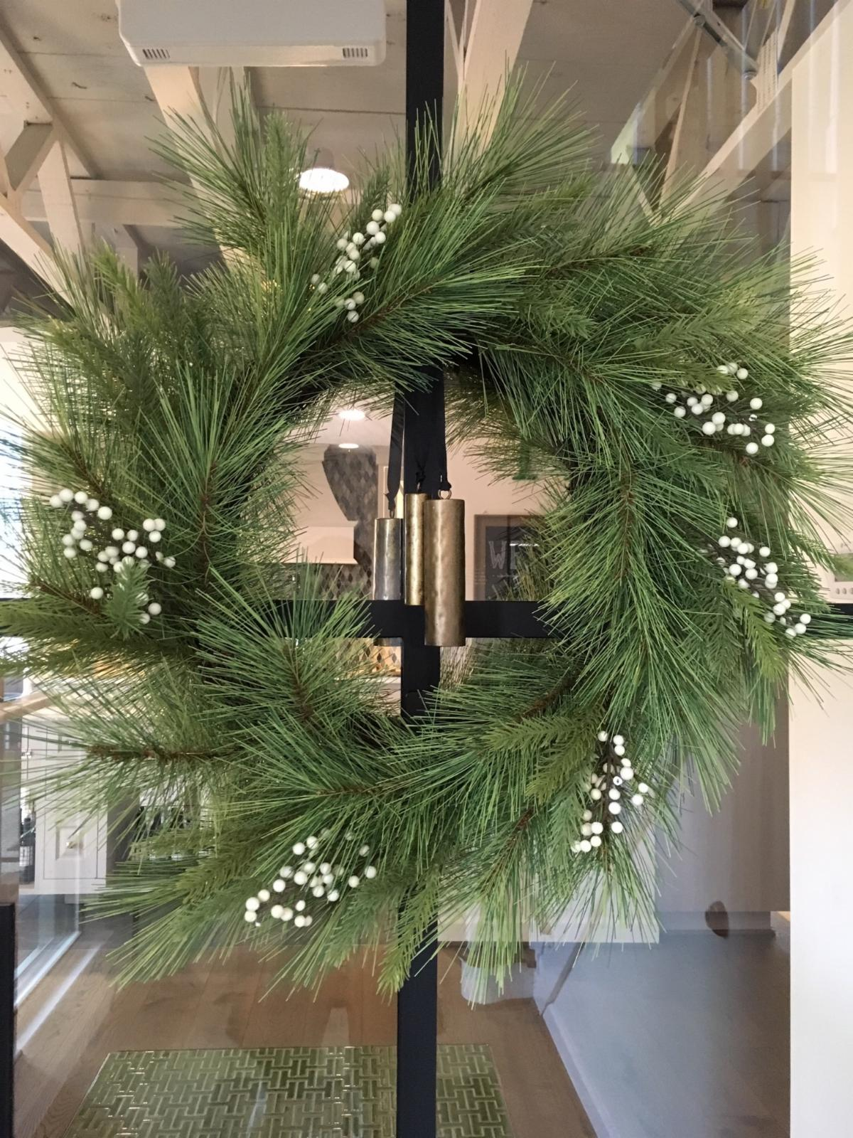 Holiday Decorating Tips Color Palette Green Black White